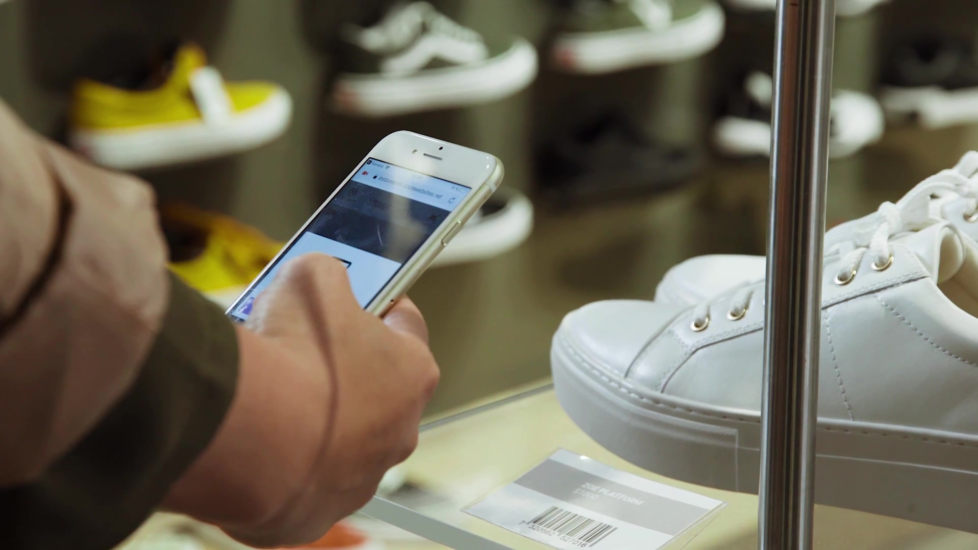Avensia Instore Video-with-graphics-thumb